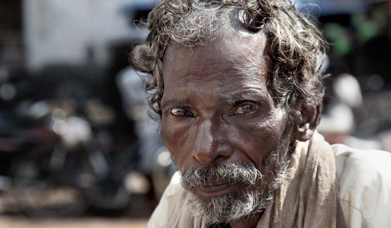 Világszegénység különböző perspektívákból