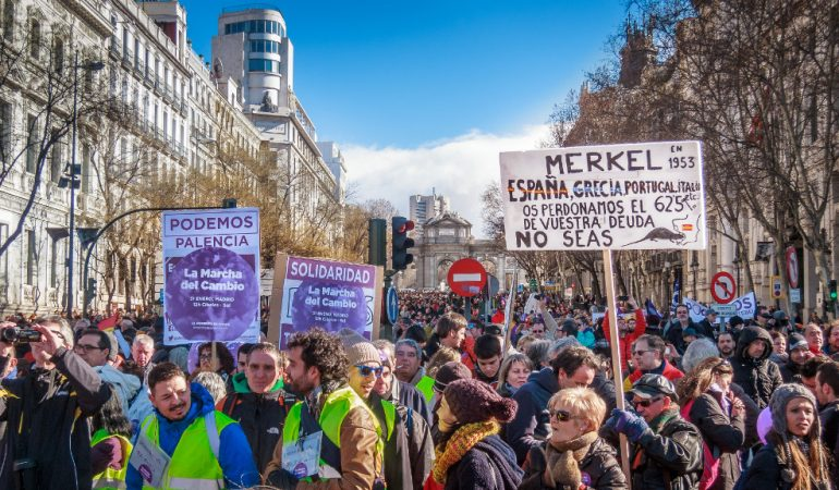 A politika, az ideológiák és a pártok védelmében