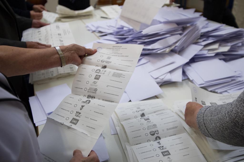 Amikor a legnagyobb baloldali párt az eltűnt szavazóit keresi, akkor érdemes elsősorban nem egy másik baloldali párt berkein belül keresni Fotó: Tóth Gergely, Népszava