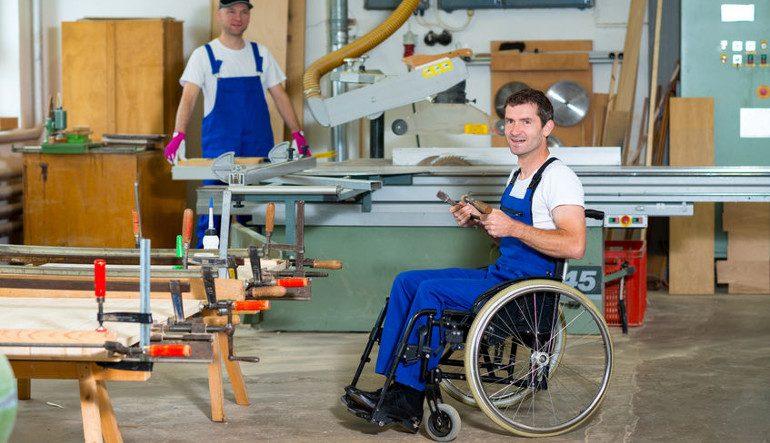 Megváltozott munkaképességűek és időskorúak – új esély