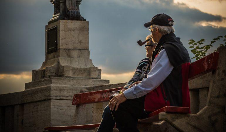 Nyugdíjvita – A néven nevezés jelenti a fényt