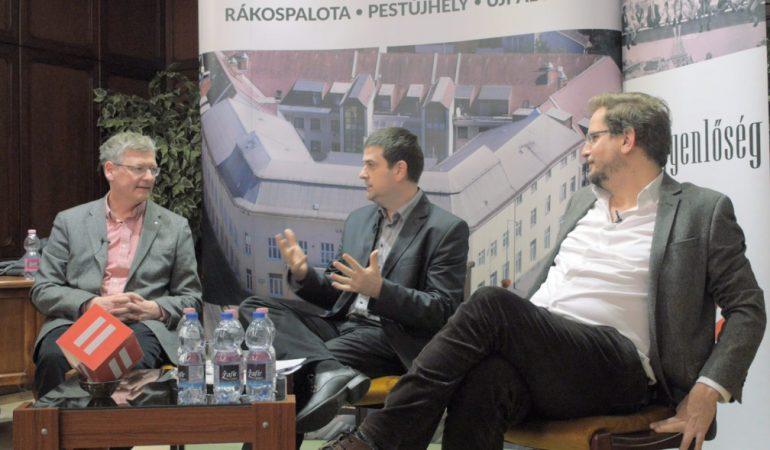 Városházi est az elmúlt 8 év gazdaság- és bérpolitikájáról