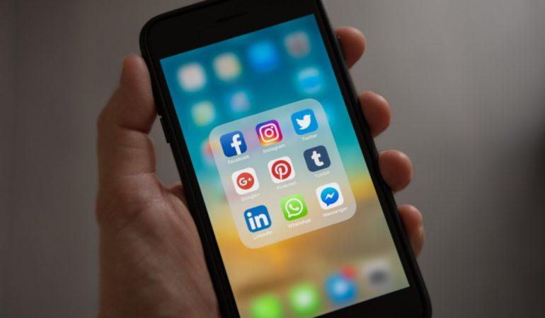 Folyamatos jelenlét – pártok és politikusok a közösségi média terében