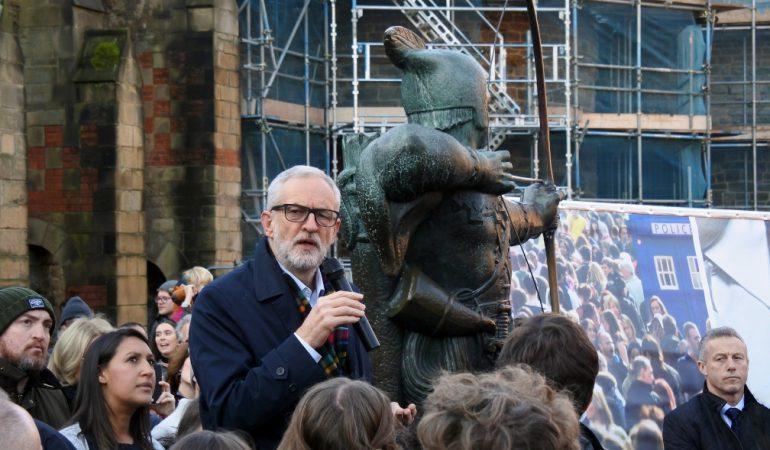Miért vesztett Jeremy Corbyn?