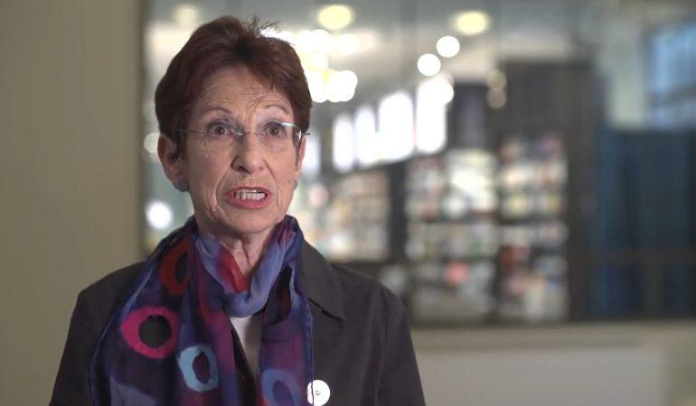"""Nincs elveszve a """"háború"""" – interjú Ruth Wodakkal"""
