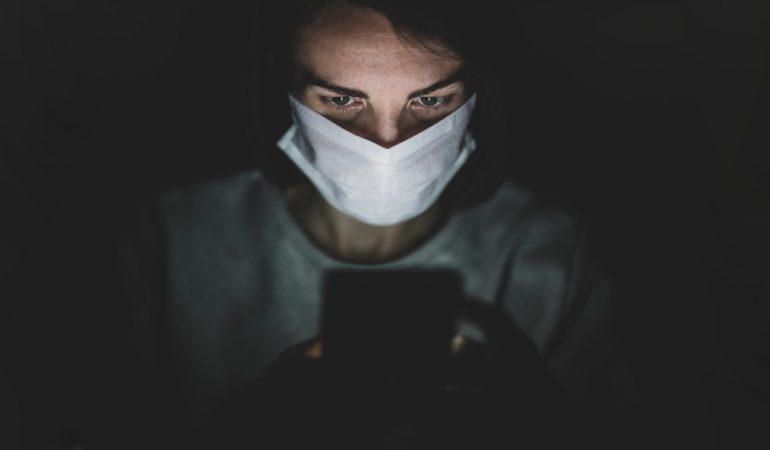Politika a közösségi médiában a járvány idején