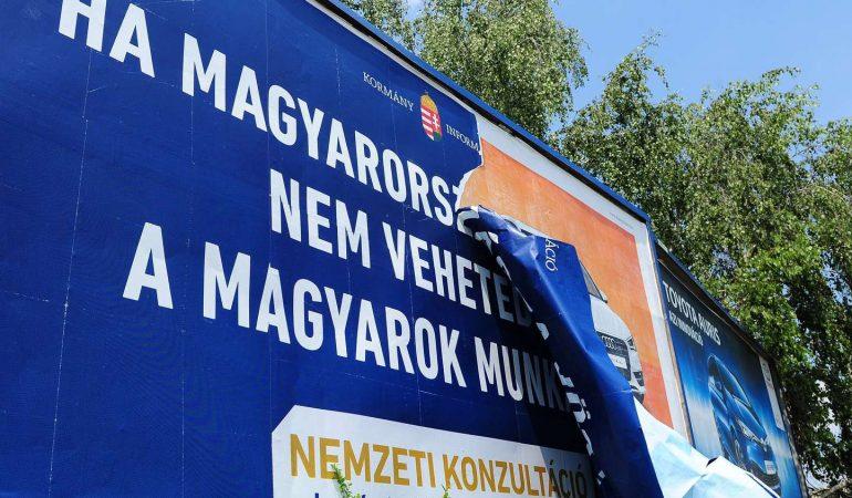 Az Orbán-kormány gyenge pontjaira irányítja a figyelmet a válság
