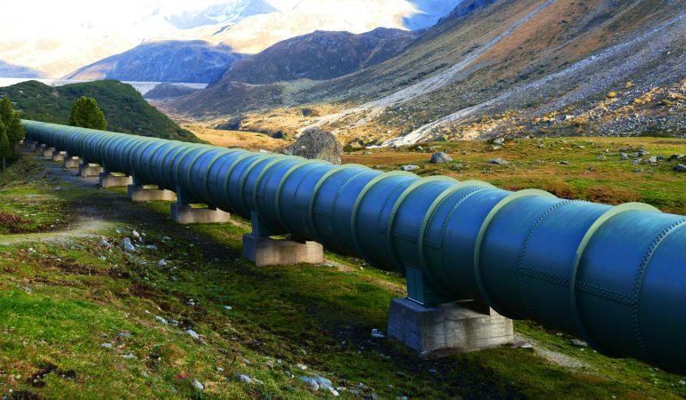 Robbantsunk-e fel olajvezetékeket?